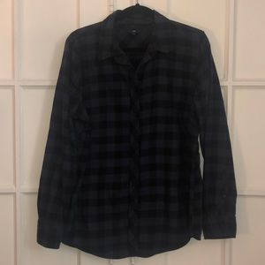Gap black and blue buffalo plaid boyfriend shirt